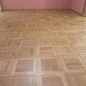 ułożona drewniana podłoga