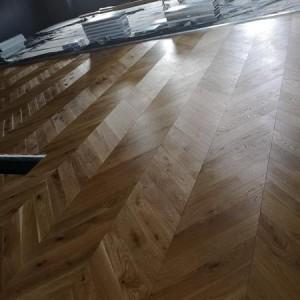 ułożona drewniana podłoga 12