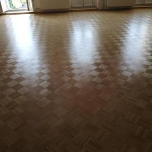 ułożona drewniana podłoga 13