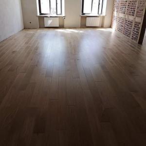 ułożona drewniana podłoga 18