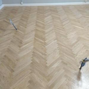 ułożona drewniana podłoga 22