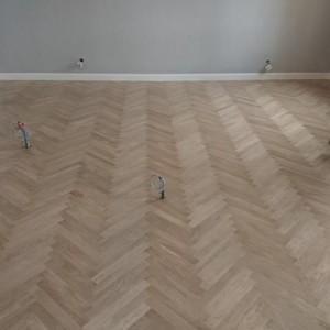 ułożona drewniana podłoga 27