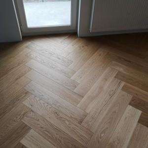 ułożona drewniana podłoga 4