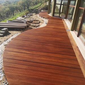 ułożona drewniana podłoga 5