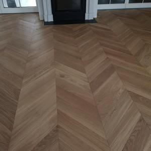 ułożona drewniana podłoga 7