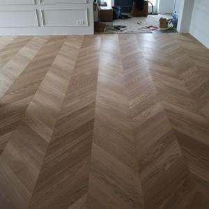 ułożona drewniana podłoga 9
